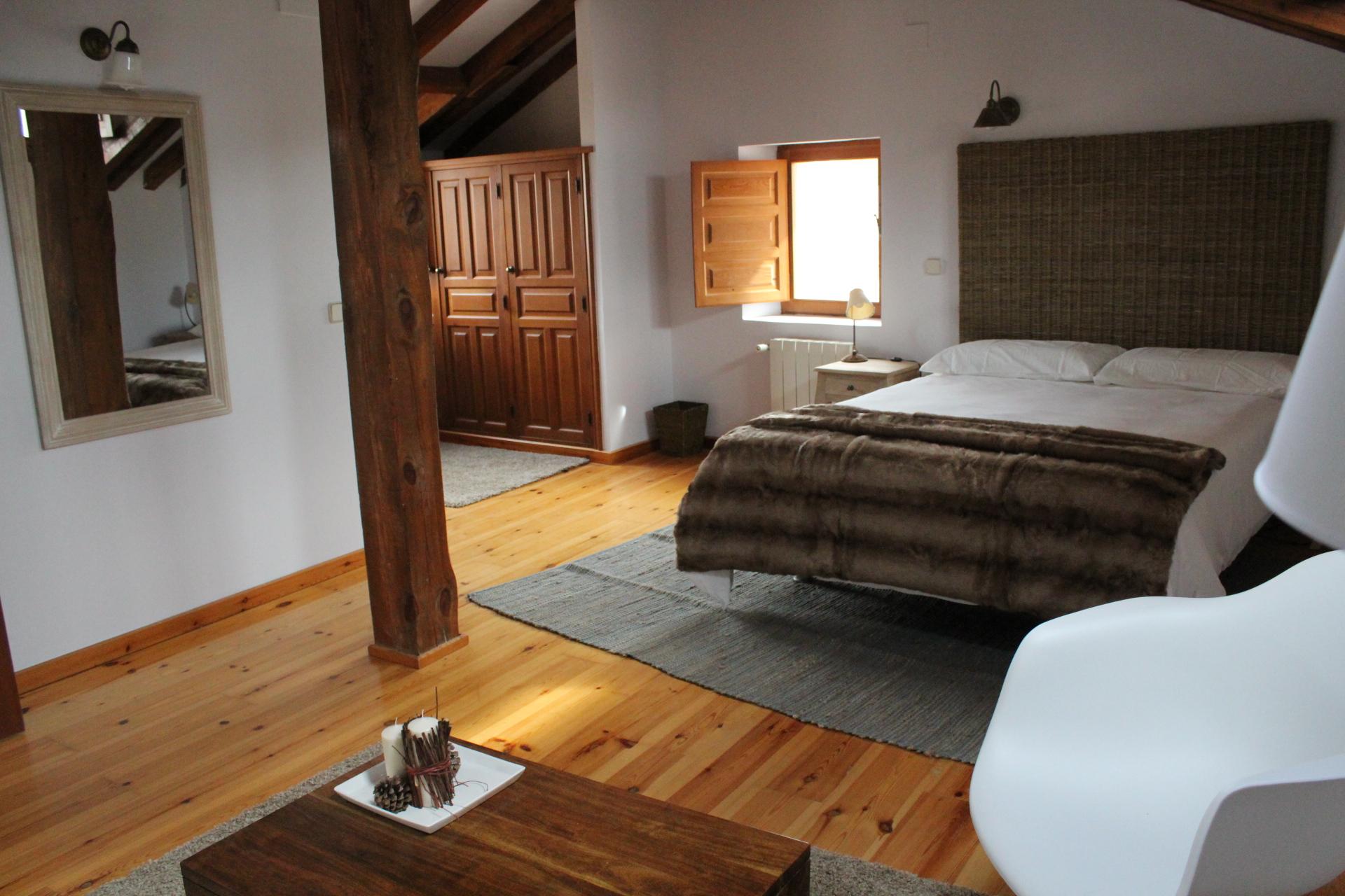 La-Casona-de-Castilnovo-Hotel-Rural-Gay-Segovia-Madrid-habitación-4-9