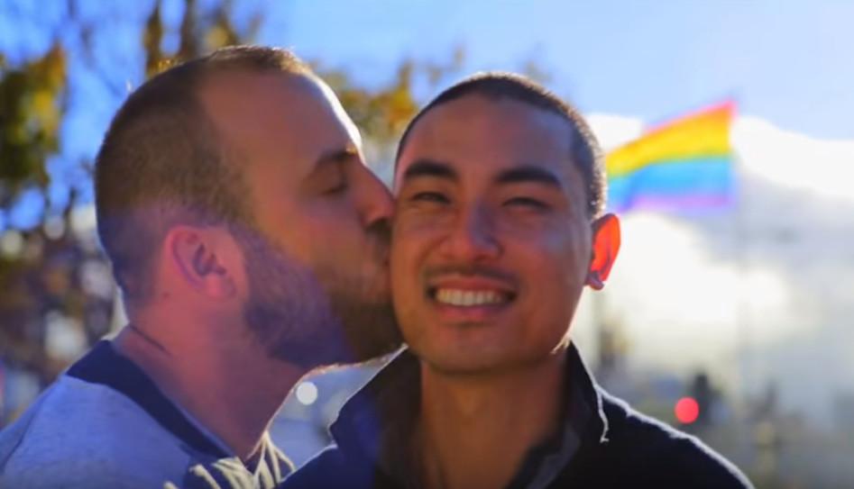 """Alfie Arcuri , ganador de """"La Voz"""" en Australia lanza un himno a favor del matrimonio igualitario"""