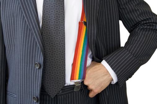 Tres años y medio de cárcel por revelar al jefe la homosexualidad de dos compañeros