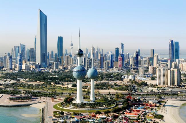 Continúa la represión homófoba en Kuwait con 76 gays deportados