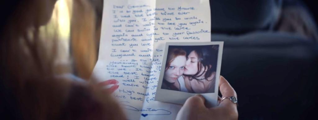 Décadas de amor entre dos mujeres en anuncio de Renault Clio