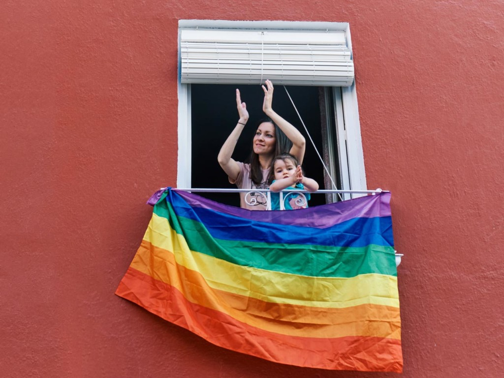 Orgullo lgtbi 2020 balcones