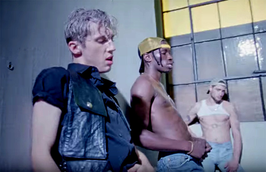 El actor y cantante Troye Sivan sorprende en su nuevo vídeo musical